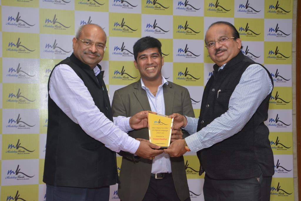Marketing-Keeda-Award-Deepak-Chaudhari-Indus-bags-Best-Impact-using-SMS-Marketing-2015-16