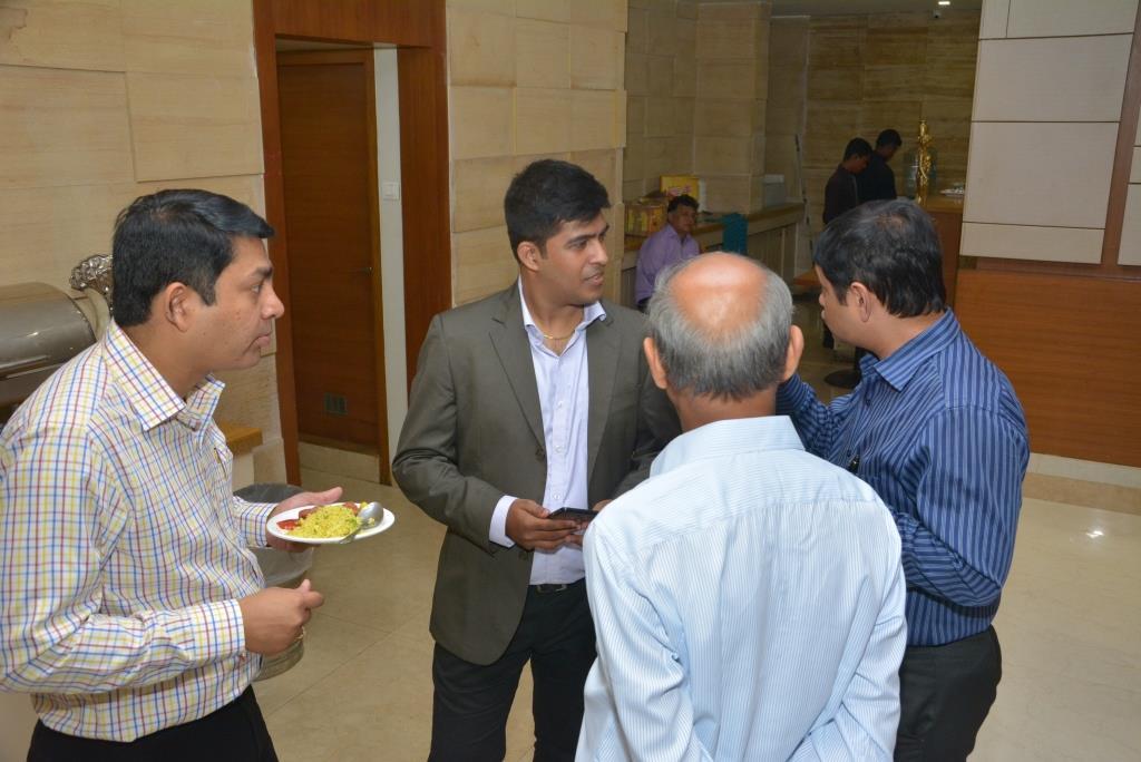 Marketing-Keeda-Client-Appreciation-Award-Nirman-Saraf-Vikas-Ashok-Desai-Breakfast